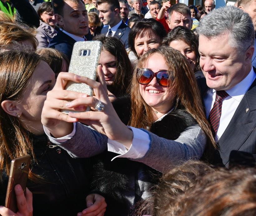 Завтра на Прикарпатті очікують приїзду Президента Порошенка