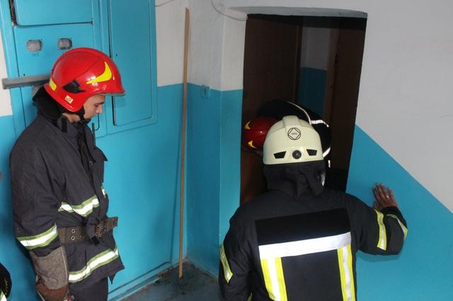 Через пенсіонерку, яка не відчиняла вхідні двері, підняли на ноги франківських рятувальників
