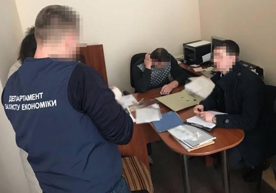 У поліції розповіли деталі вчорашнього затримання чергового хабарника (фото)