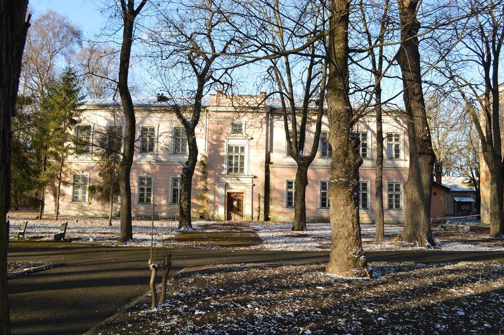 Відновлювати Палац Потоцьких у Франківську допоможе польський культурний центр