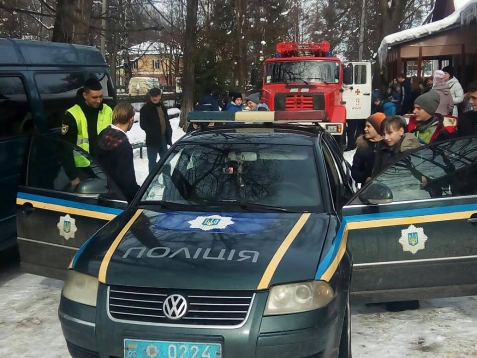 Яремчанські школярі спробували себе в ролі поліцейських (фото)