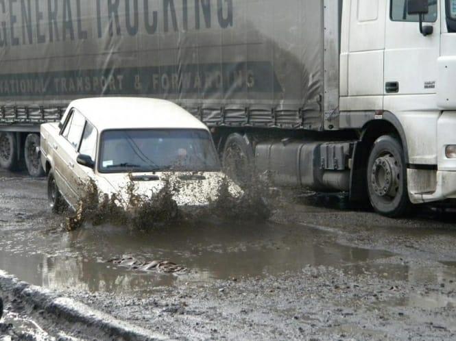 У Франківську водії влаштують акцію протесту «Засади УкрАвтоДор»