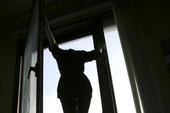 Видеть падающего человека – кому-то из вашего окружения нужна помощь, однако он не хочет вас лишний раз тревожить.