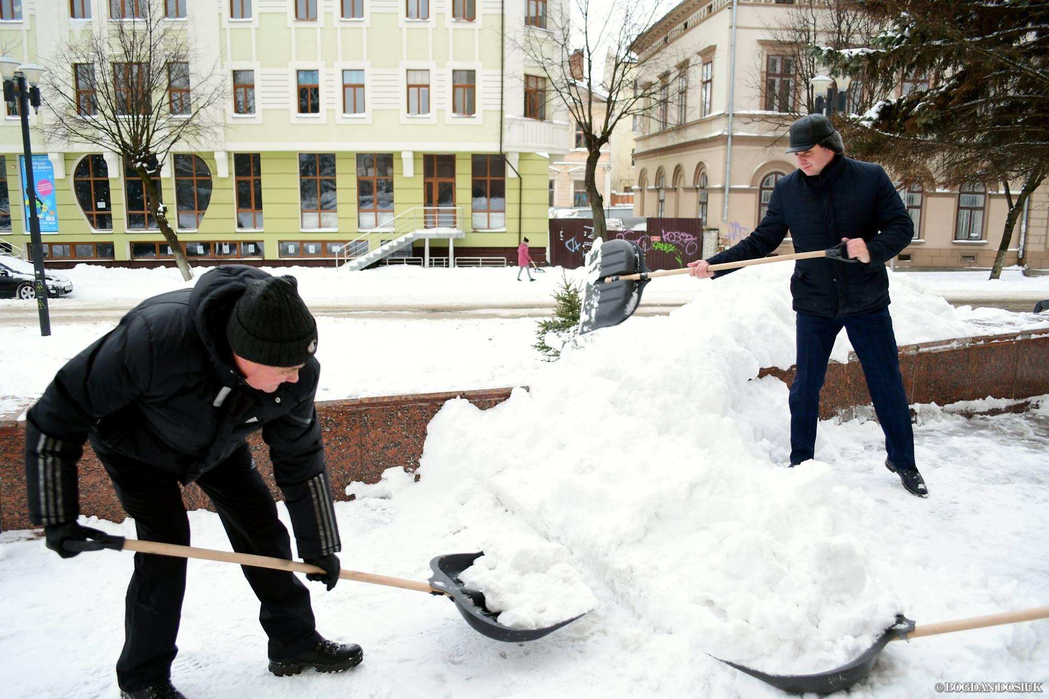 """Результат пошуку зображень за запитом """"прибирання снігу у івано-франківську"""""""
