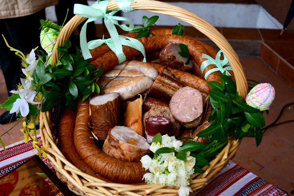 Франківців кличуть закупитися до Великодня товарами місцевих виробників