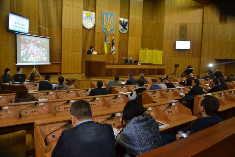 17 депутатів івано-франківської міськради взагалі не подають депутатські запити