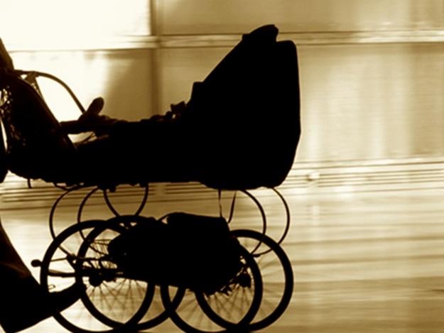 У Коломиї чоловік поцупив дитячу коляску