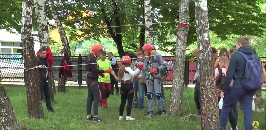 В Івано-Франківську відбулися змагання шкільних пожежних дружин (відеорепортаж)