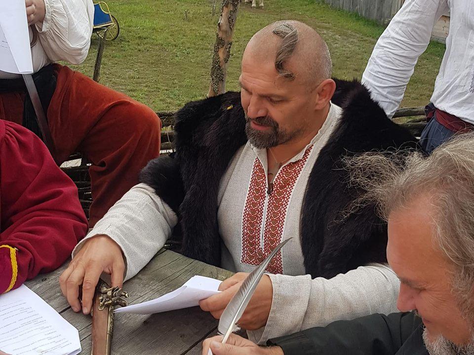 Прикарпатський богатир Василь Вірастюк долучився до написання листа скандальному «московському султанові» (фото+відео)