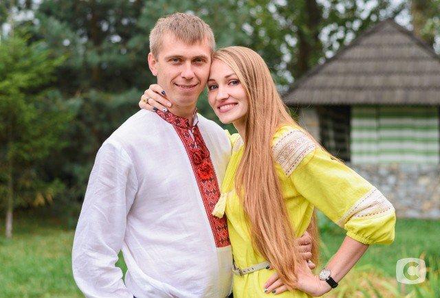 """Пара з Івано-Франківська заручилась та покинула """"Битву екстрасенсів"""""""