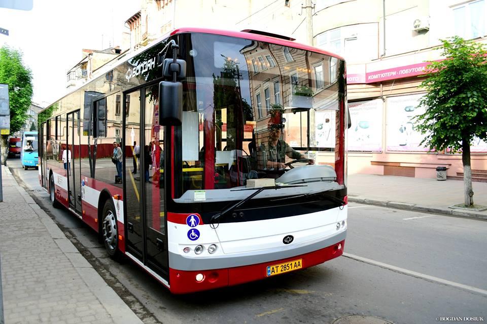 До уваги франківців: у неділю через півмарафон комунальний транспорт змінить графік руху