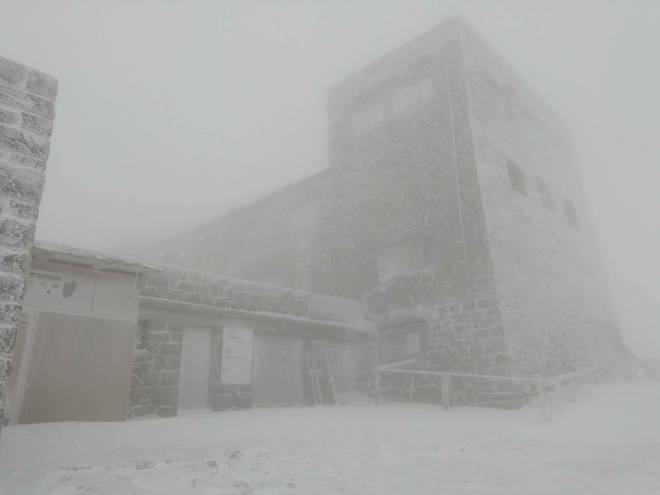 Піп Іван накрила снігова буря (фото+відео)