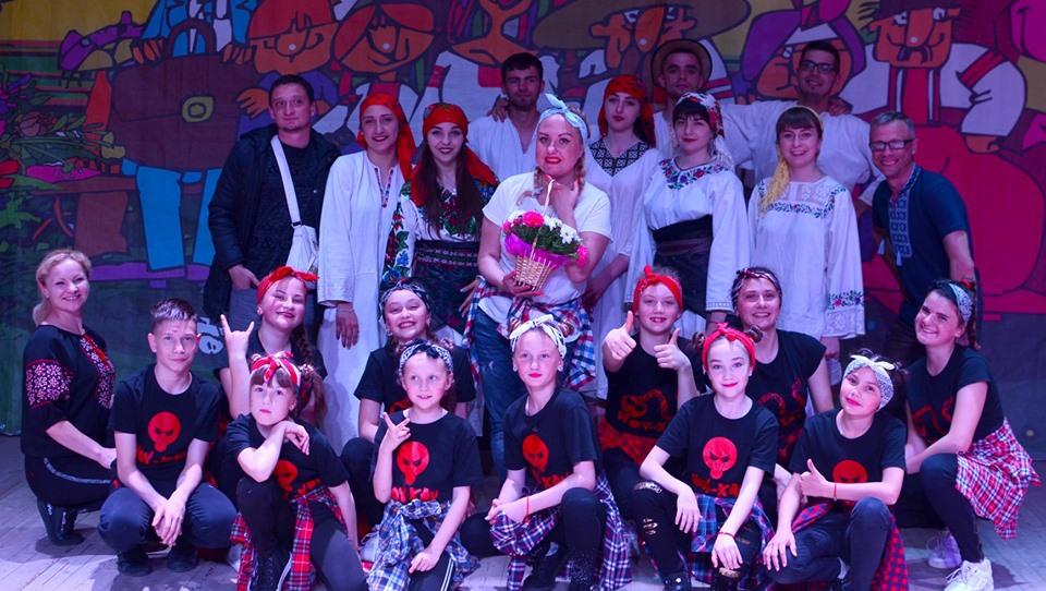 В Івано-Франківську відбувся другий тур чемпіонату з гумору «Кавалєрка»