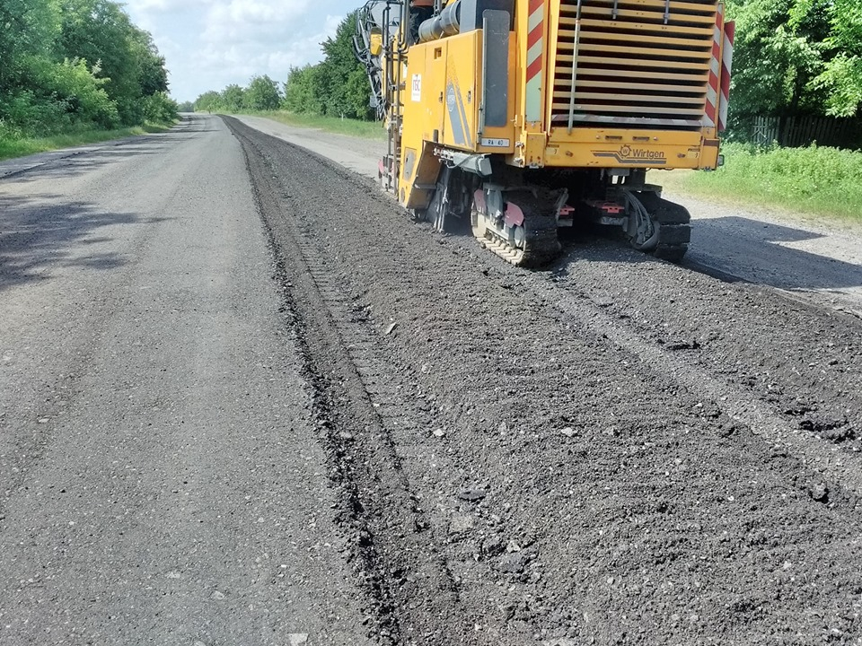 На Прикарпатті дорожники взялися за ремонт дороги Снятин – Тязів
