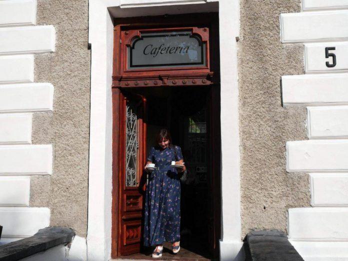 Без спиртного та сигарет: в Івано-Франківську відкрилася християнська кафетерія (фотофакт)