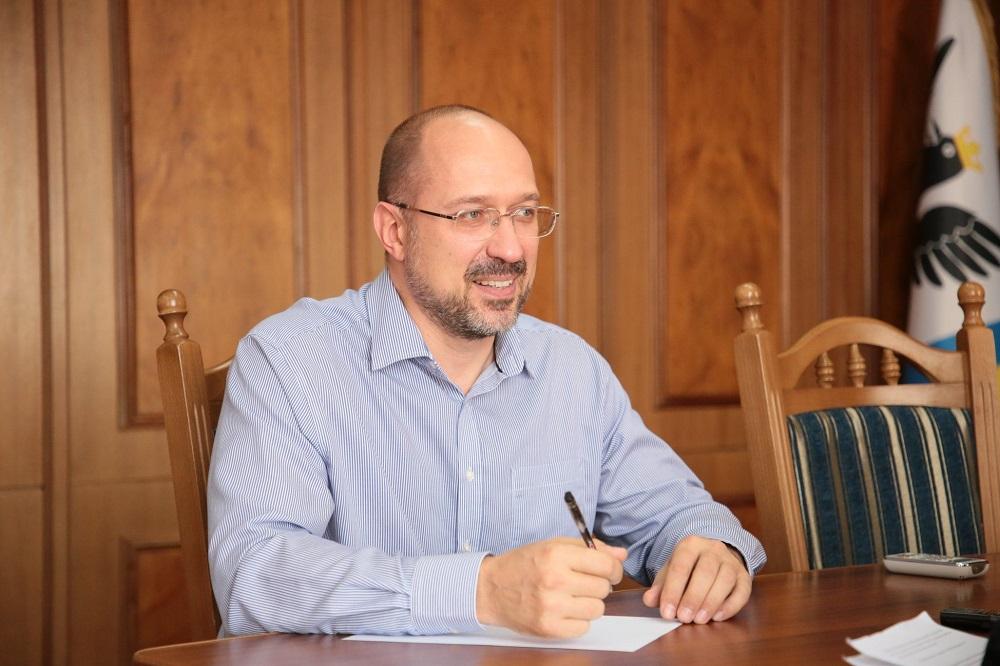 У власності голови Івано-Франківської ОДА Дениса Шмигаля з нерухомості — тільки гараж