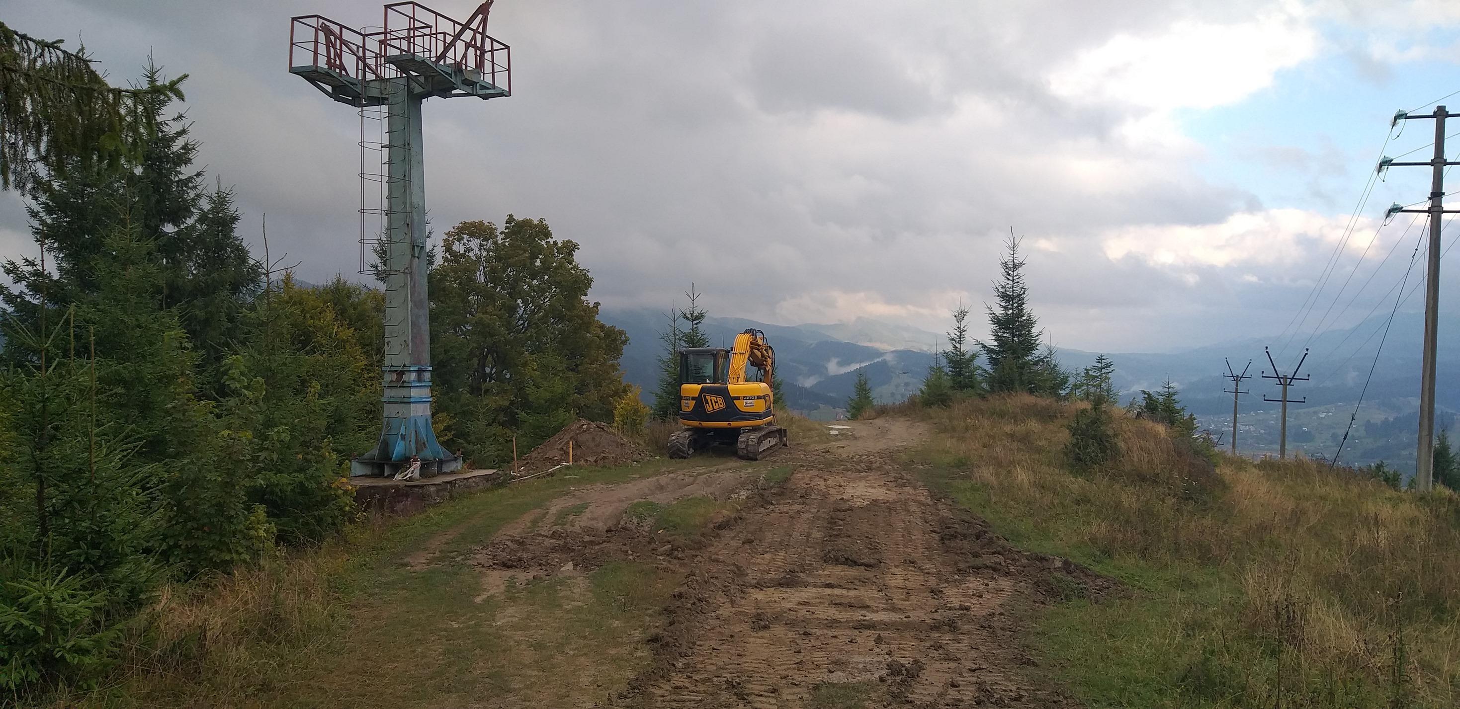 У Ворохті взялися за відновлення канатно-крісельної дороги (фоторепортаж)