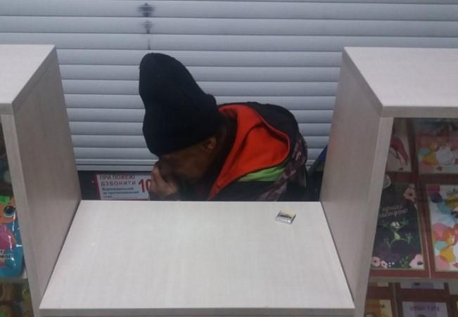 На Прикарпатті безхатченко намагався обікрасти магазин (фотофакт)