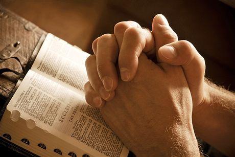 Чому треба молитися насамперед за інших, а потім за себе?